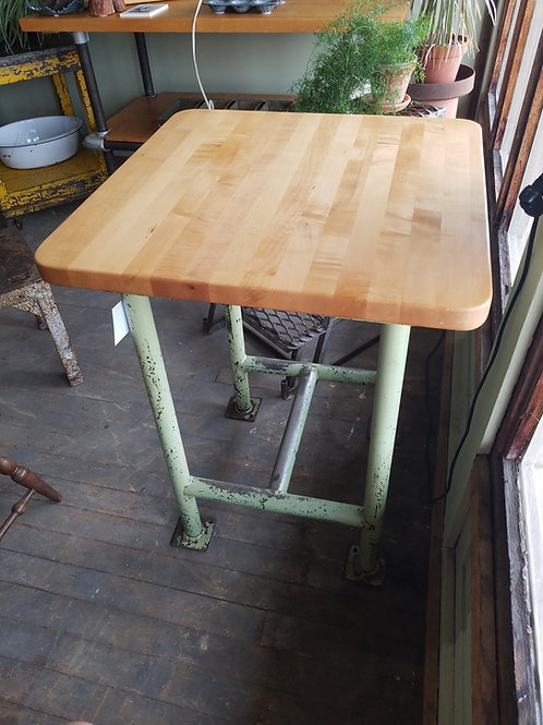 Industrial Pipe Table