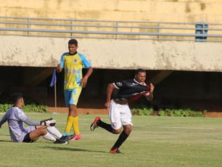Goleada por 5 a 0 sobre o Embuguaçuano coloca Capital na semifinal da segundona