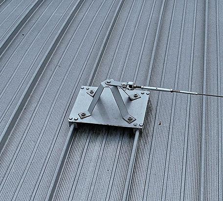 roof bracket 1.jpg