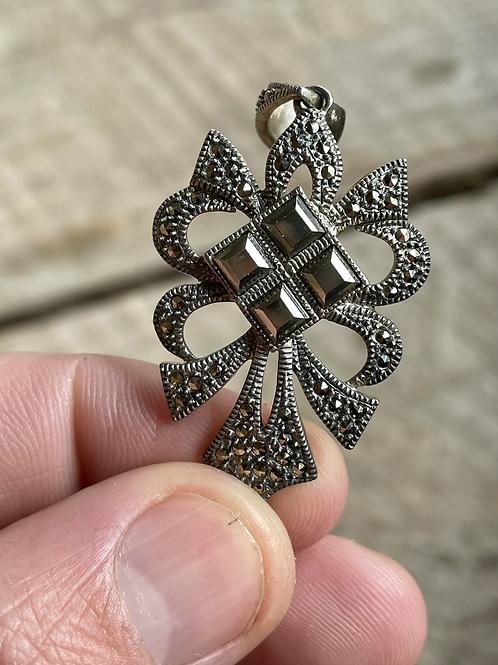 Vintage sterling silver cross