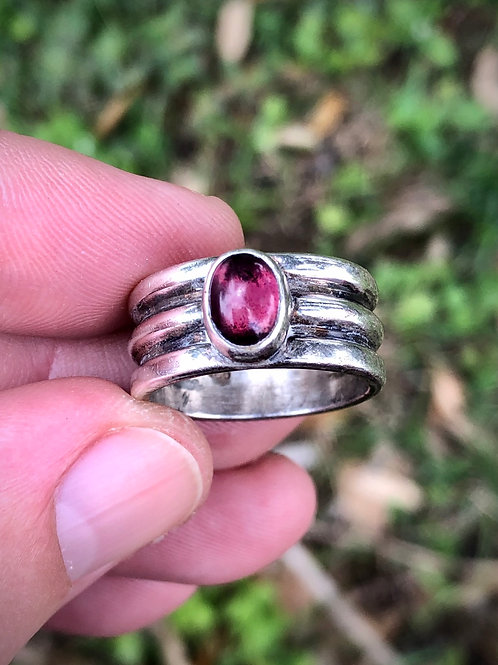 Rare antique plum rhodolite sterling silver ring size 7 1/2