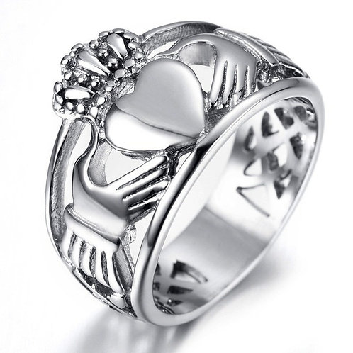 Celtic silver tone Claddagh ring