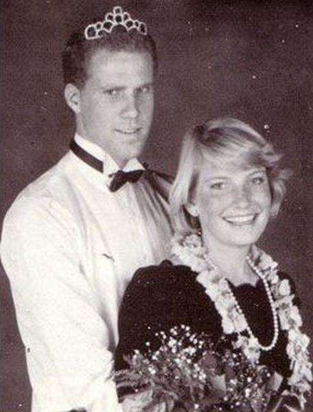 King of modern day comedy Will Ferrell served rhinestone goddess realness in his prom pic. I think we need to see a recreation of this photo like yesterday!