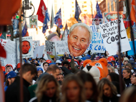 The best signs from Gameday in Memphis