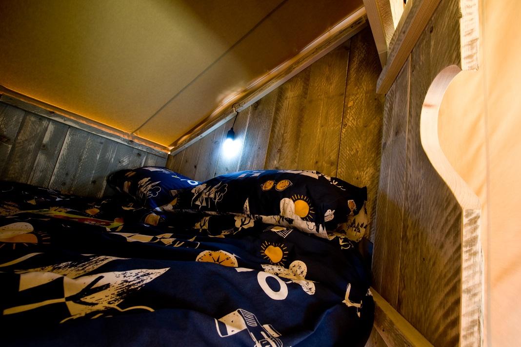Brig y bryn cabin bed