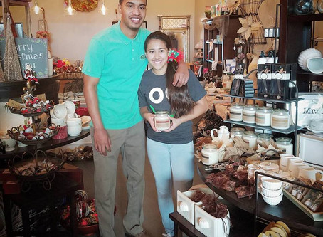 Arlette's Place had Grand Opening on October 1, 2016 and featured Good-Natured Life's Candle