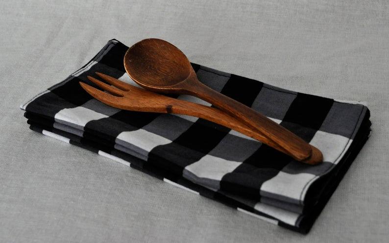 Black Buffalo Print Cloth Napkin Set