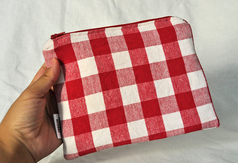 Red Checkered Simple Zipper Pouch