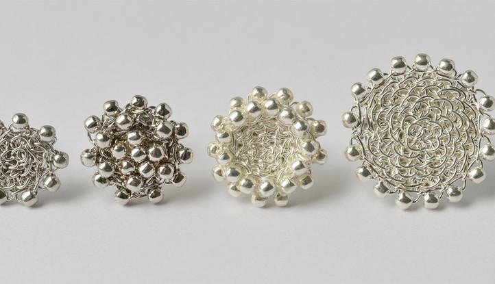 Ohrstecker mit Perlchen und Beere rhodiniert, Doppelperlchen und Perlchen Silber