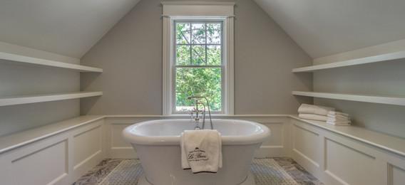 23_Bathroom1-2.jpg