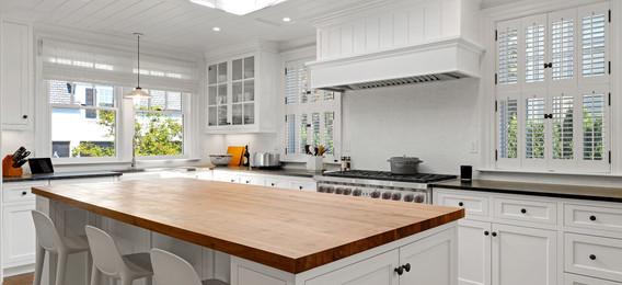 Web 7 Lakeview Rd Kitchen 2.jpg