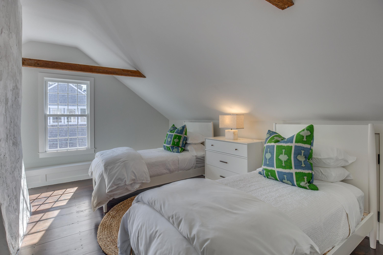 66_Bedroom5-3