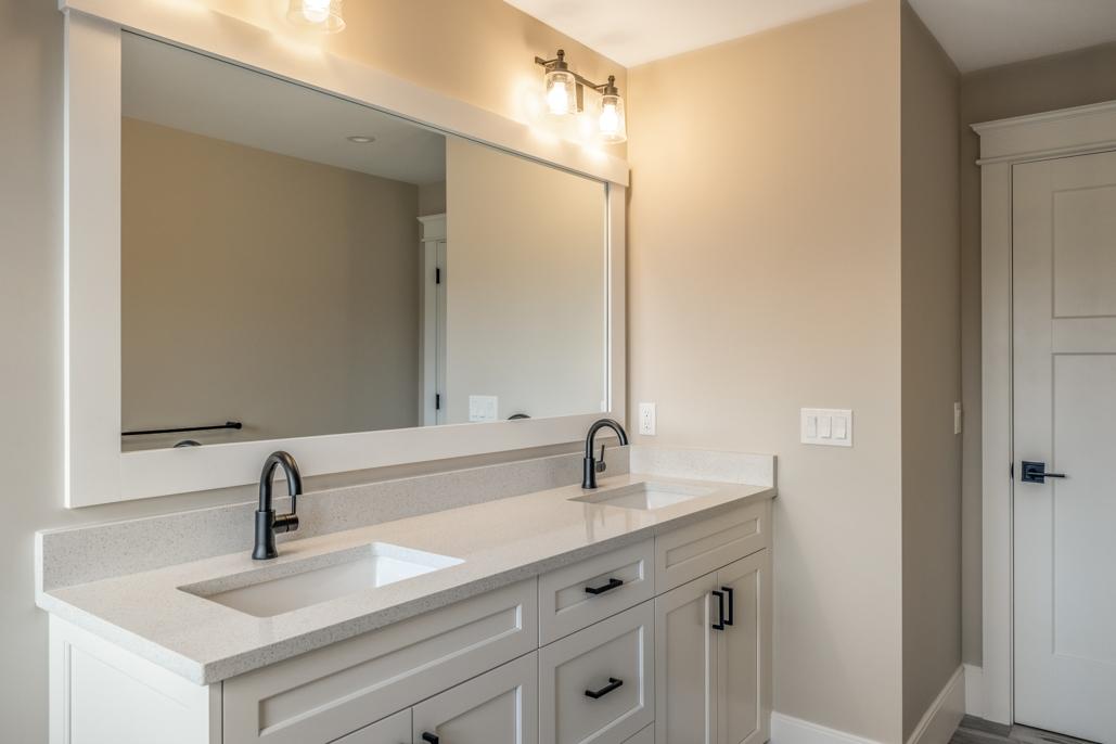 24_bathroom-7
