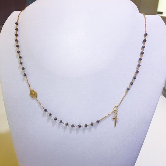 Catena a rosario in oro giallo 18kt con zirconi neri intervallati. Price € 290,00