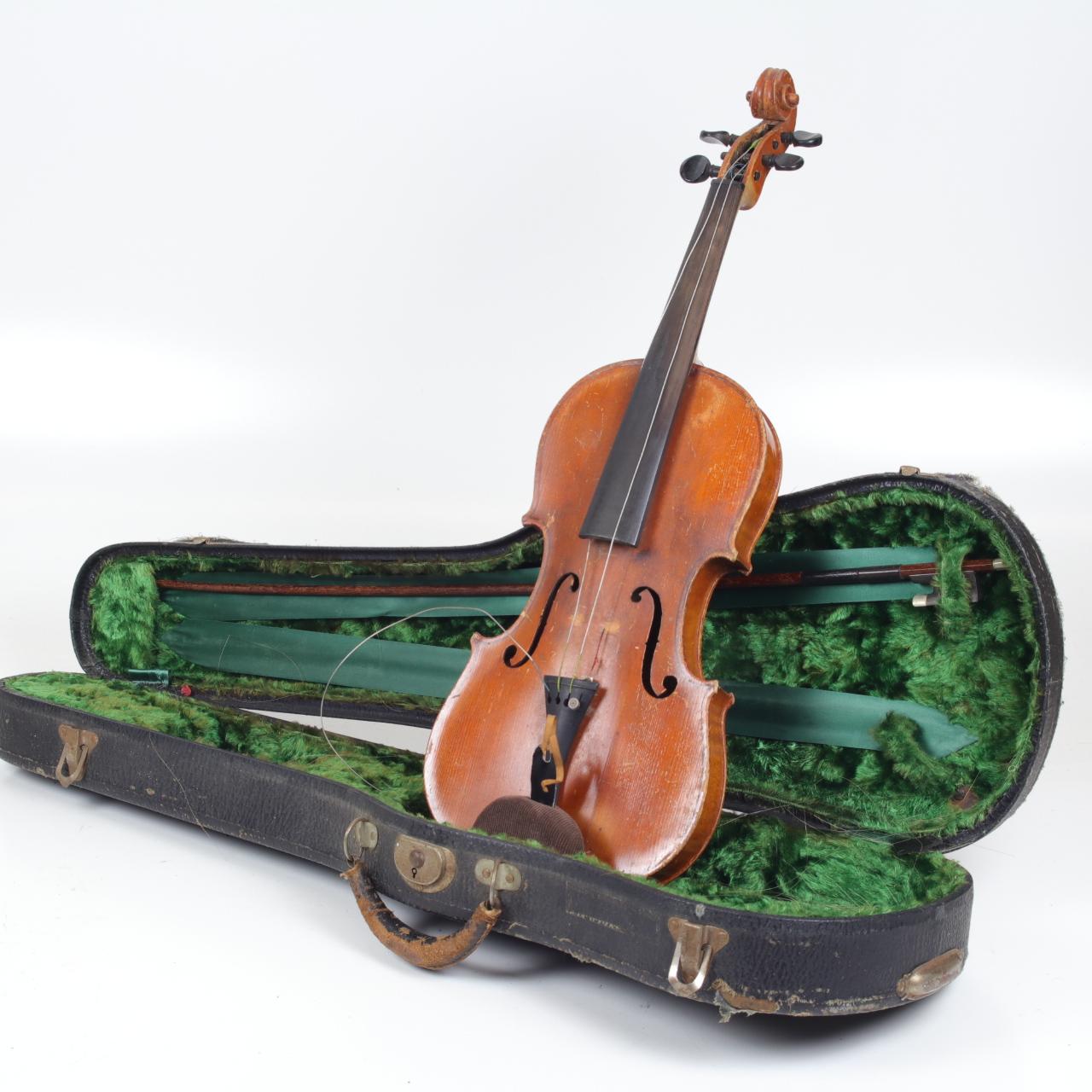 The Estate Gallery LLC Violin