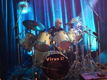 Virus D Bernd Feller
