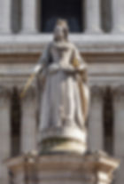 Statue of Anne in front of St Paul's Cathedral, London