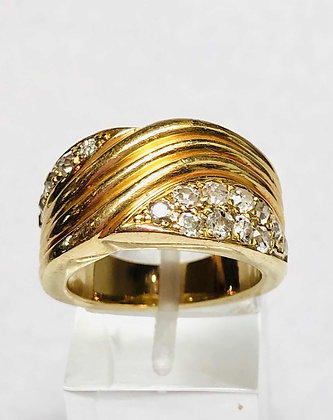 DISTINGUIDO ANILLO MODERNO DE ORO 18 KT Y 1 CT BRILLANTES