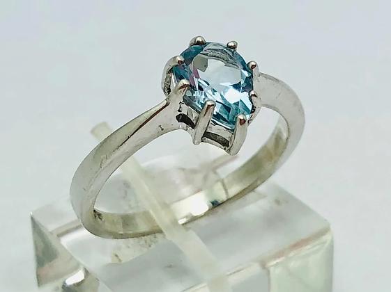 Bellisimo anillo solitario de dama