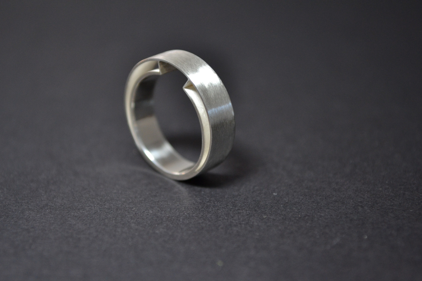 Stone Silhouette Ring_3