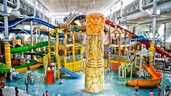 Wisconsin Dells water park (indoors).jpg