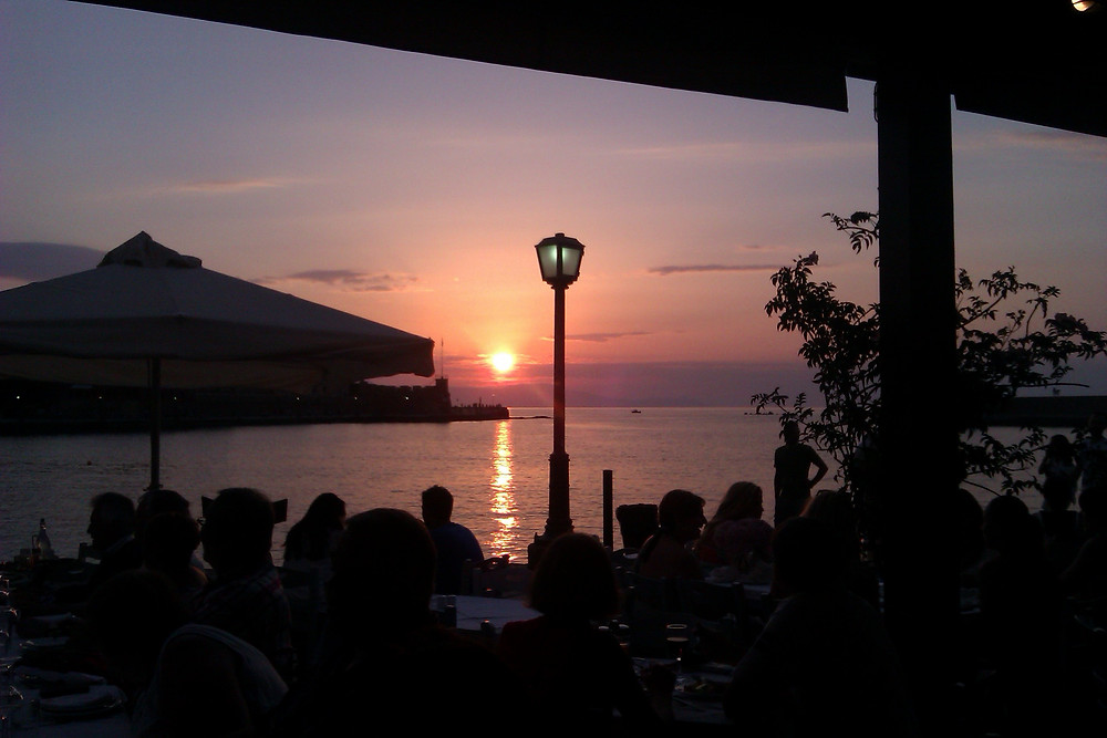sunset dinner in chania old harbor