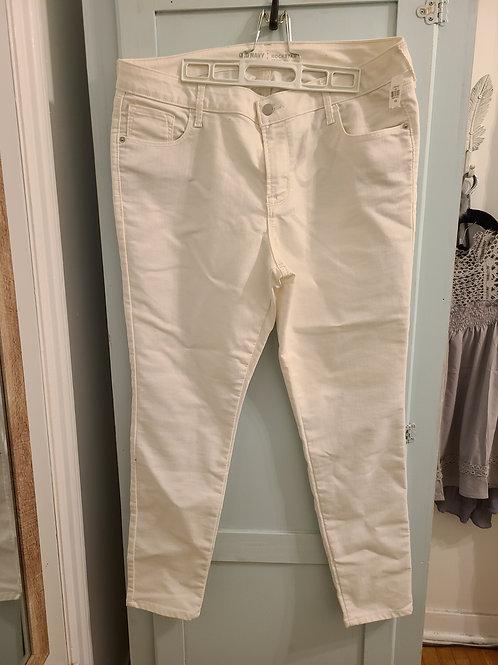 Old Navy White ROCKSTAR Mid-Rise Jeans Size 16 REG