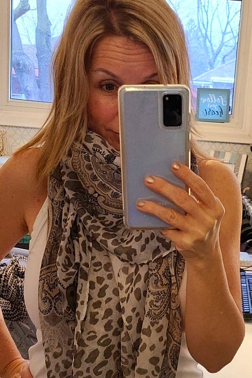 """Whimsy """"Paisley Latte"""" Scarf 💟"""