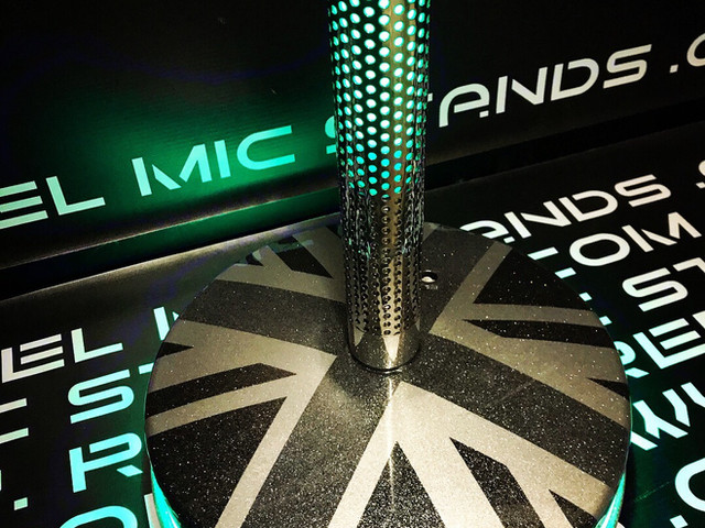 Neon Ion led mic stand