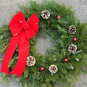 Decorated-Wreath-Red-Velvet-with-Gold-on