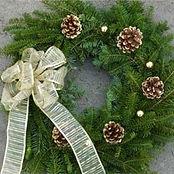 Decorated-Wreath-Fancy-Gold-Bow.jpg