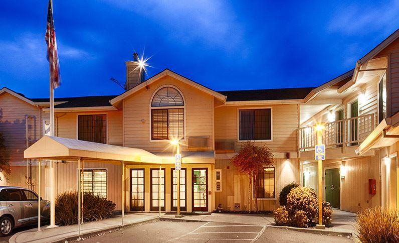 Best Western Plus Stevenson Manor Inn