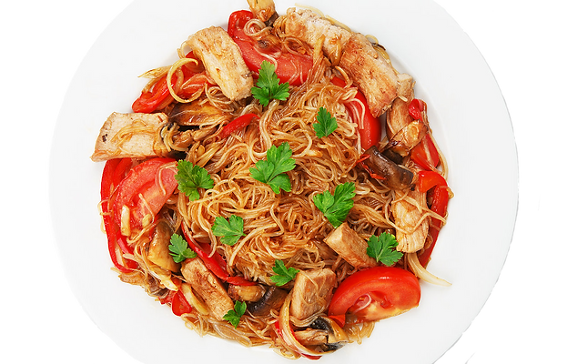 Asian food_ Fried Thai glass Rice noodle