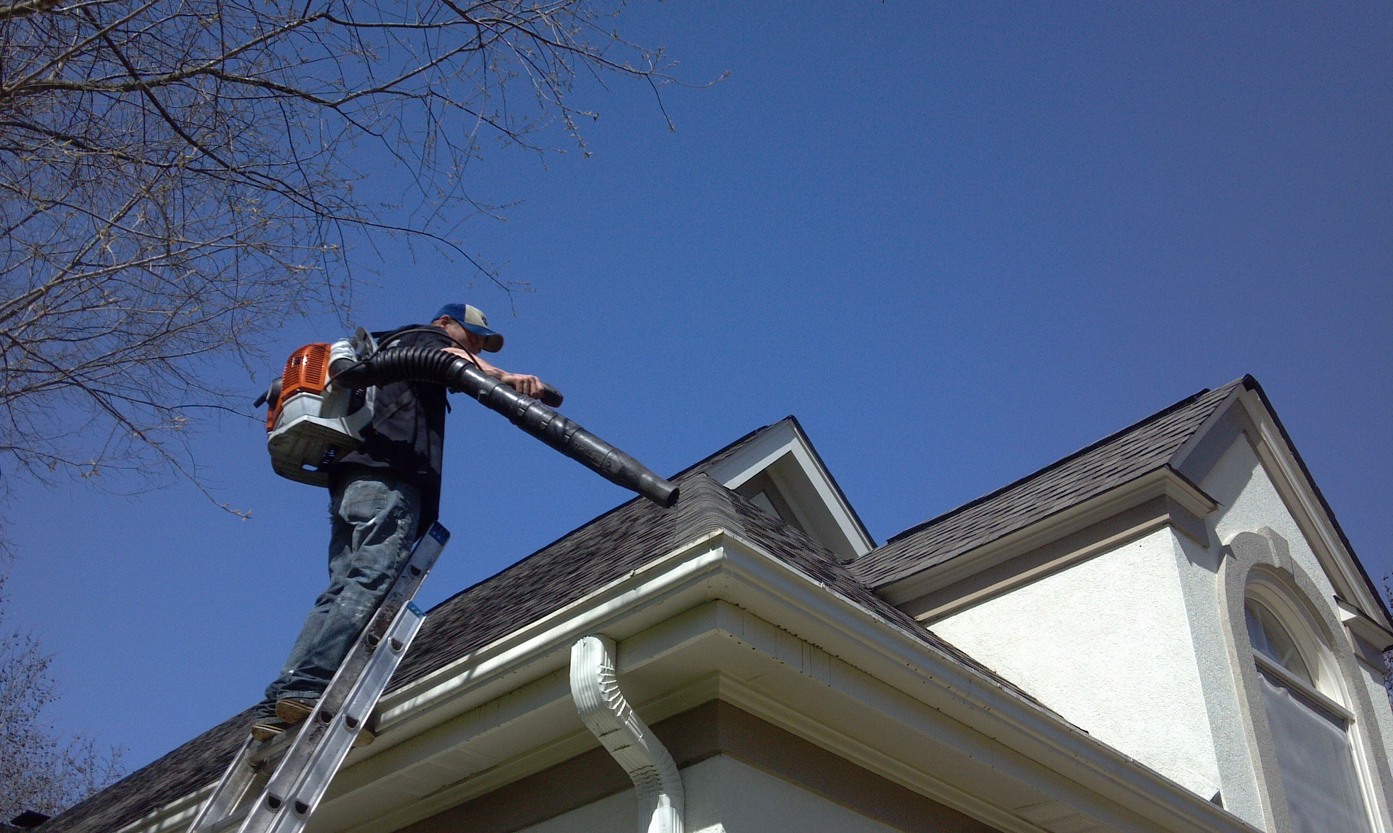gutter cleaning services greenville