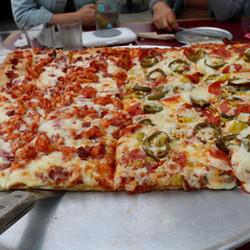 Pizza_RanchBBQChicken_MtEtna.jpg