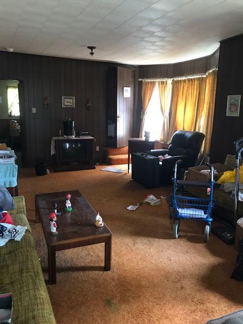 living room before.jpg