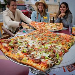 Pizza_OutdoorDining.jpg