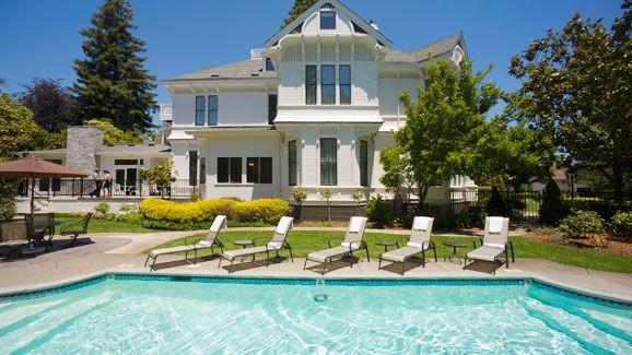 White House Inn & Spa