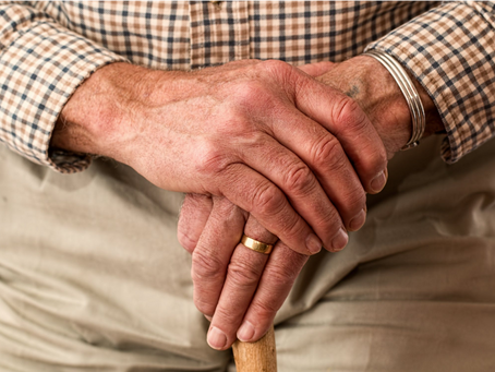 How to Help a Senior Loved One Transition to Assisted Living
