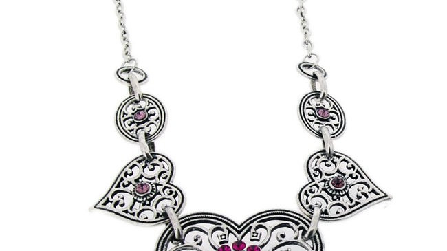 Heart filigree necklace