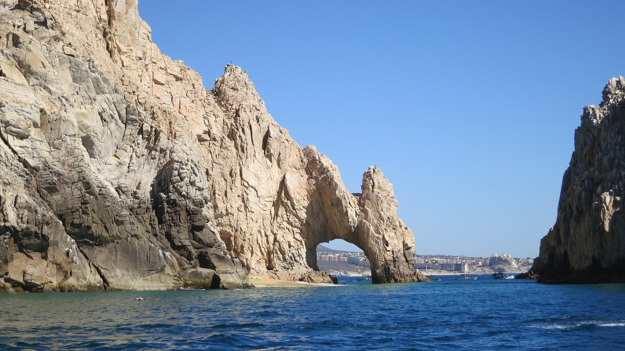 Custom Mexico Vacation | GeoLuxe Travel LLC | Mexican rocks on the ocean