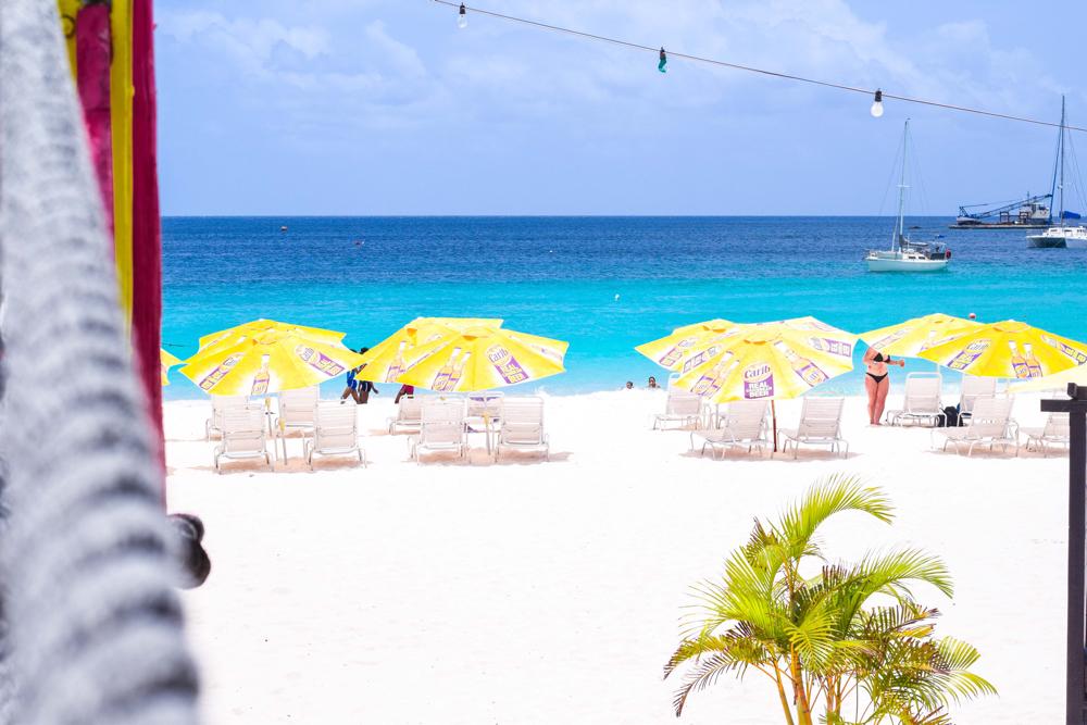 Custom Caribbean Vacation | GeoLuxe Travel |Barbados beach scene