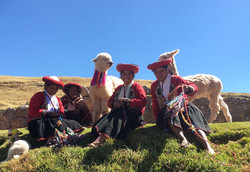 Central and South America Trip Planner | GeoLuxe Travel LLC | alpaca farmers