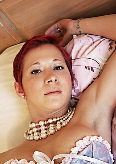 Lady Dori Belle AKA Susan MeeLing laying