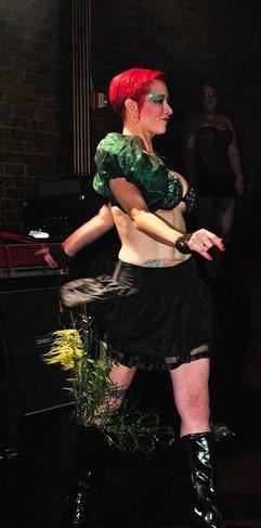 Lady Dori Belle AKA Susan MeeLing as Dol