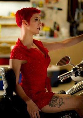 Lady Dori Belle AKA Susan MeeLing in red