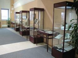 Выставочная мебель