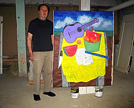 The artist FranciscoFVidal in the studio