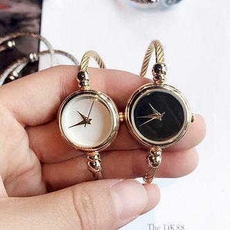1PCs Vintage Retro Quartz Watch Ladies Women Dress Bangle Bracelet Watch
