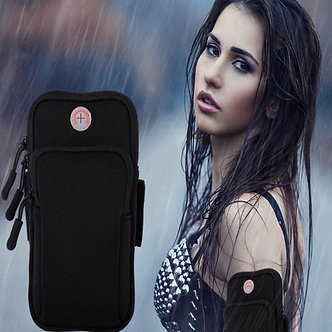 Armband Phone Holder With Earbud Holder Sweatproof Arm Bag for 4 to 6 Inch